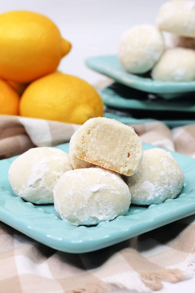 Lemon Snowball Cookie